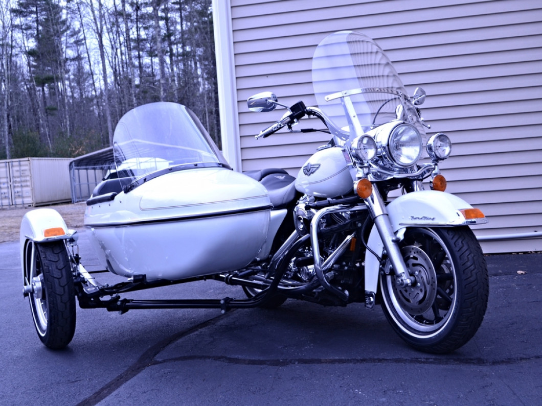 2003 Road King Harley Davidson and Factory Matching Side Car!!